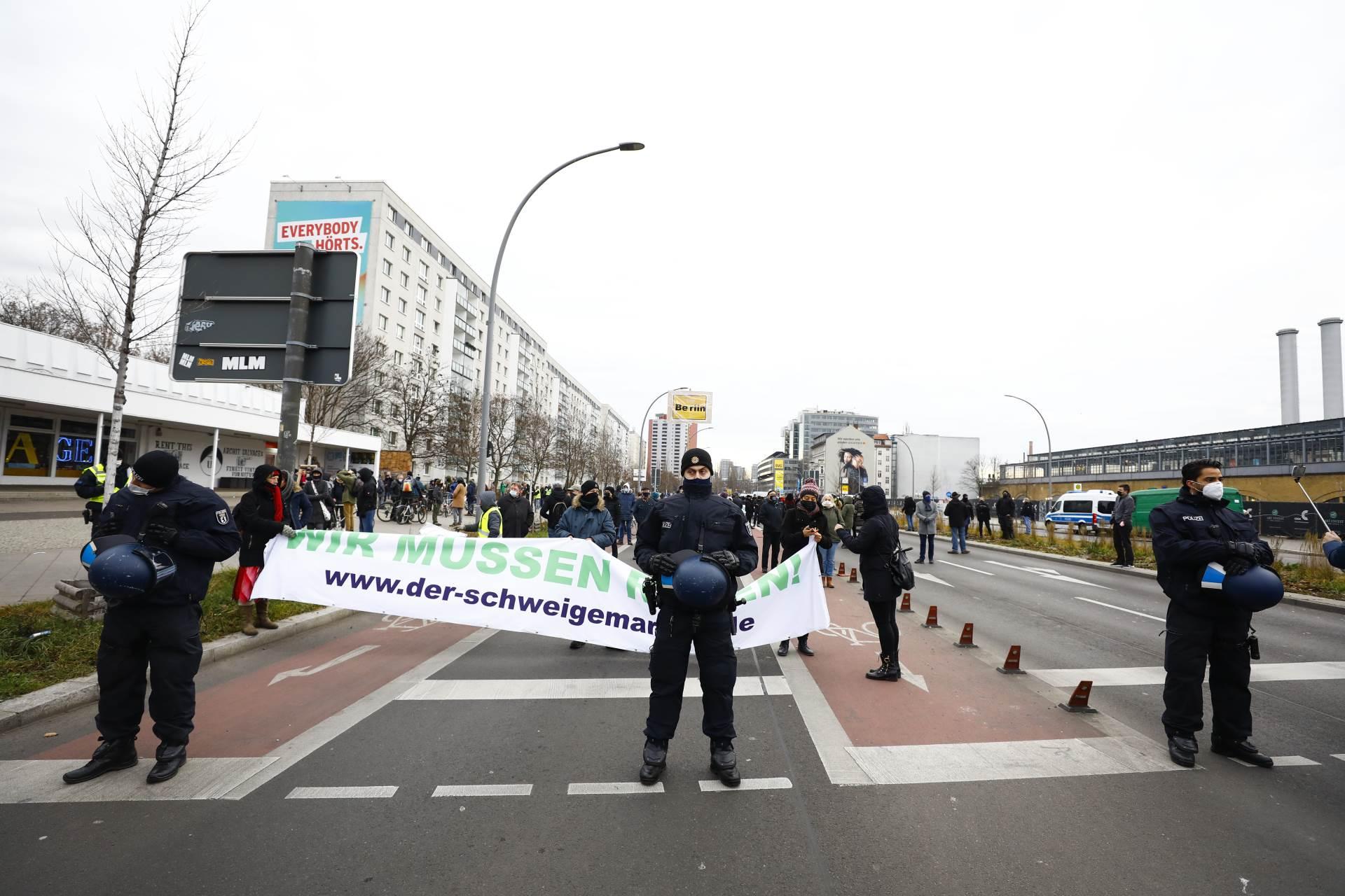 U Njemačkoj prosvjedi zbog mjera protiv širenja koronavirusa
