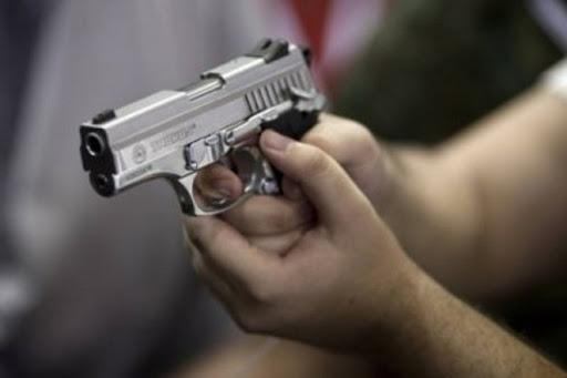 Mladić pištoljem pobio cijelu obitelj?