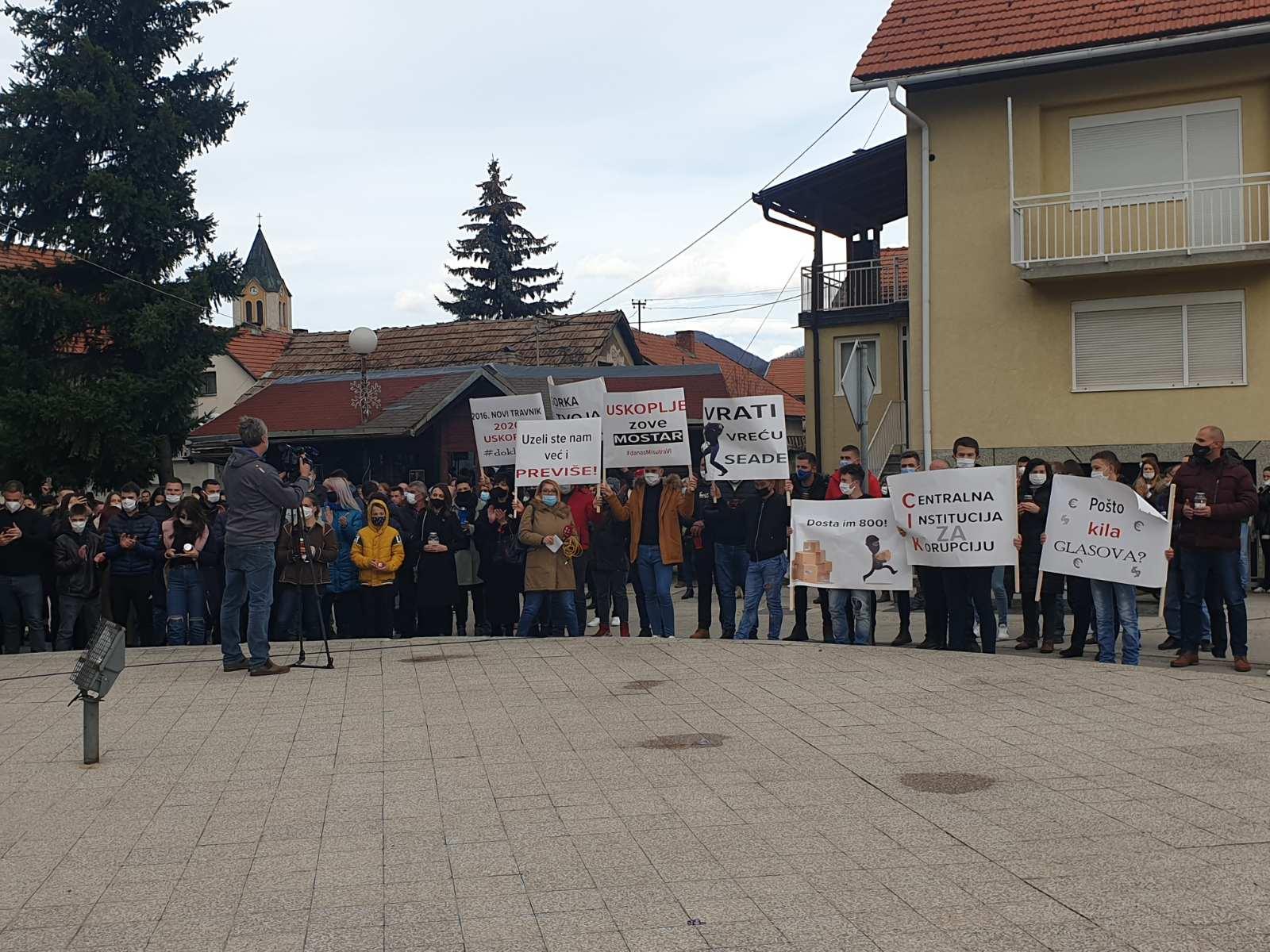 FOTO Počeo prosvjed u Uskoplju