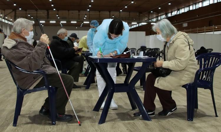 U Srbiji danas cijepljeno više od 13.000 ljudi, zaraženo još 1.646