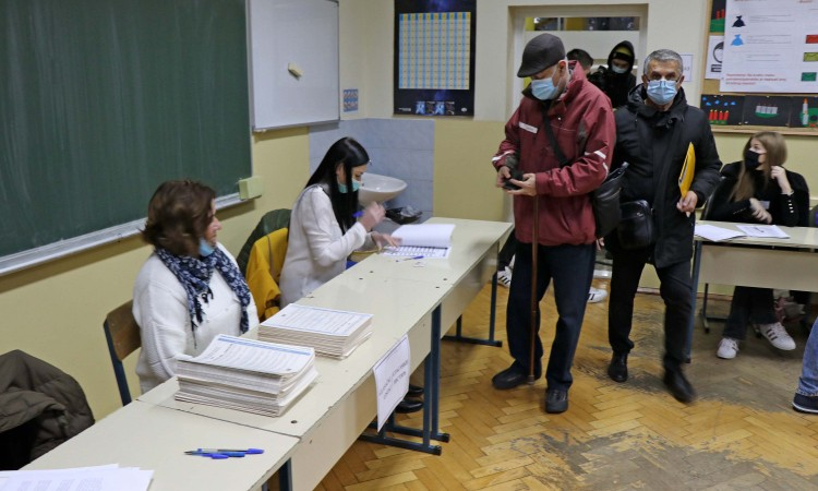Zatvorena birališta na ponovljenim izborima u Doboju i Srebrenici