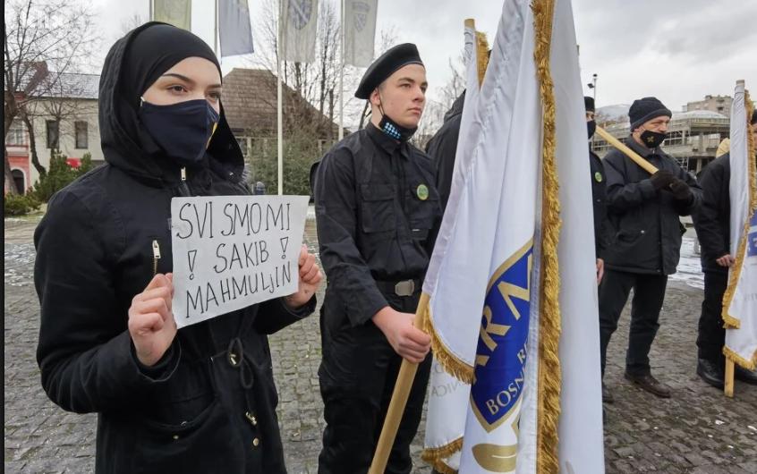 U Zenici veličali osuđenog ratnog zločinca! Održan skup potpore Sakibu Mahmuljinu