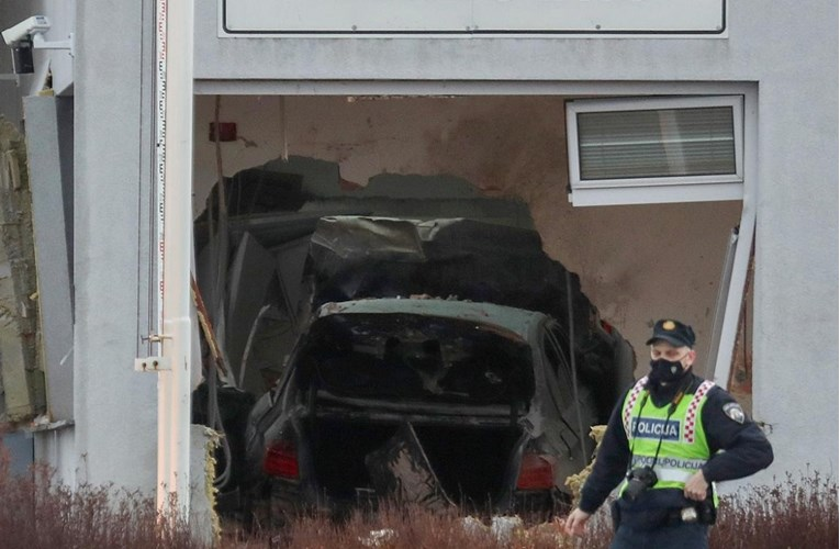 Novi detalji: Mladić koji se BMW-om zabio u kućicu i usmrtio djelatnika bio jako pijan