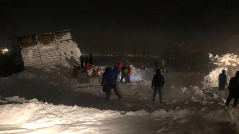 U snježnoj lavini poginule tri osobe, među njima i beba