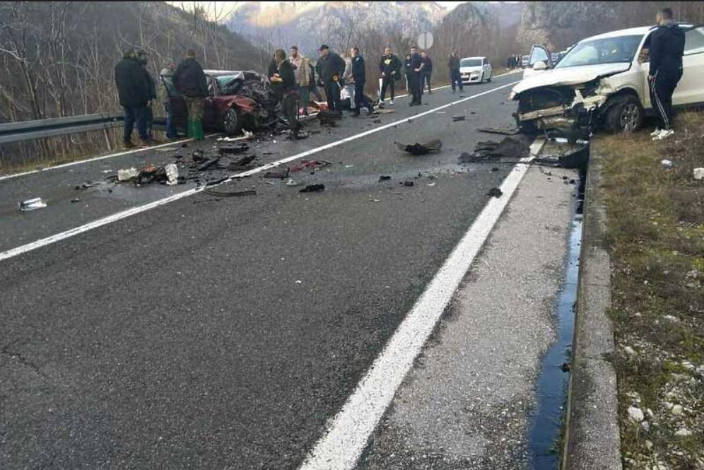 U stravičnoj nesreći nedaleko od Mostara poginule dvije osobe