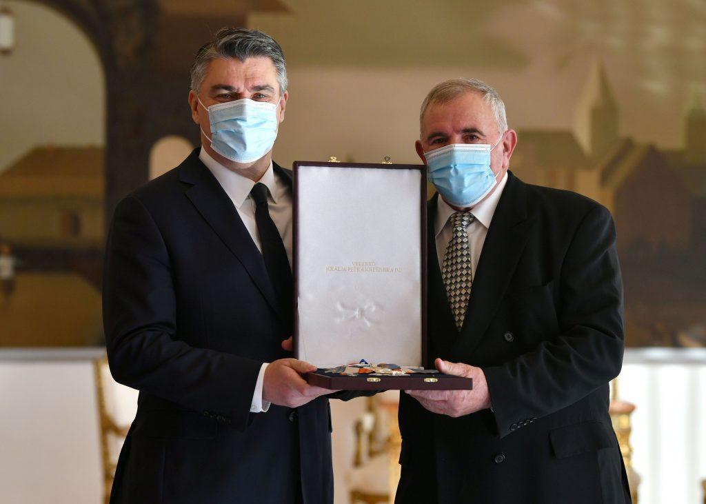 Zoran Milanović uručio odlikovanja umirovljenim generalima HV-a i postrojbama HVO-a i Specijalne policije MUP-a HR HB