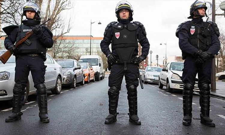 U Parizu sukob policije i prosvjednika zbog otpuštanja radnika