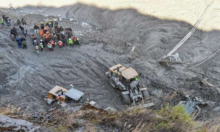 Nastavlja se akcija spašavanja 35 radnika unutar tunela