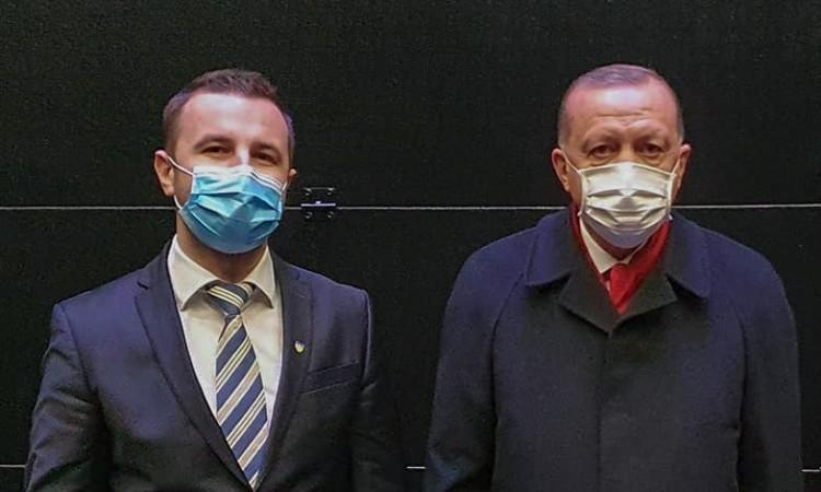 Neoosmanizam u svom punom sjaju. Erdogan pozvao Efendića u Tursku, na, pazite sad, koncert: Ovaj otišao mrtav hladan