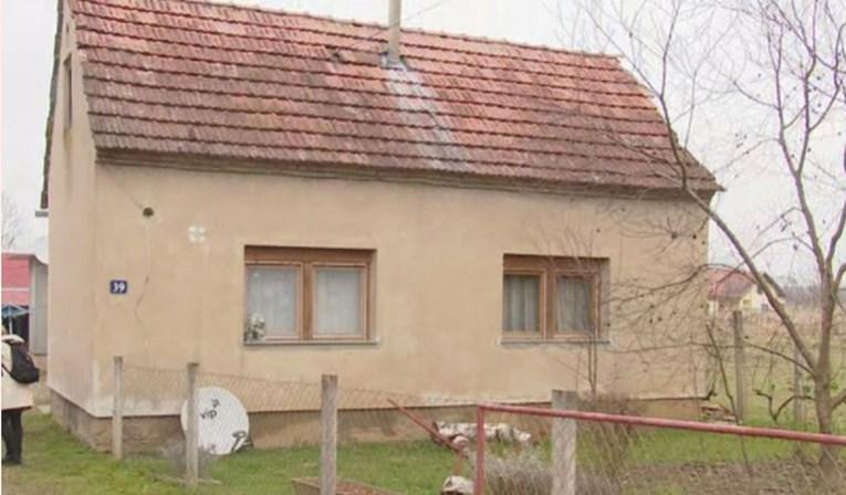 Kuća kraj Petrinje dobila zelenu naljepnicu, no u nju svako malo prodire voda