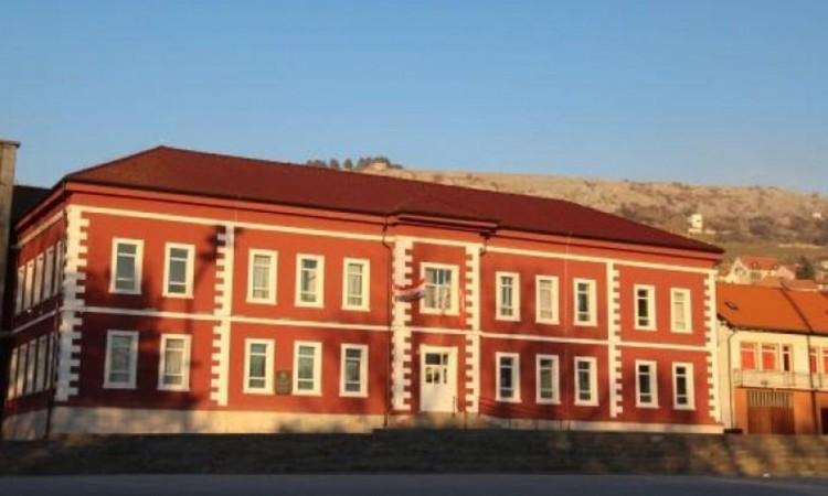 Srednjoj školi u Livnu donirano oko 100 tisuća KM