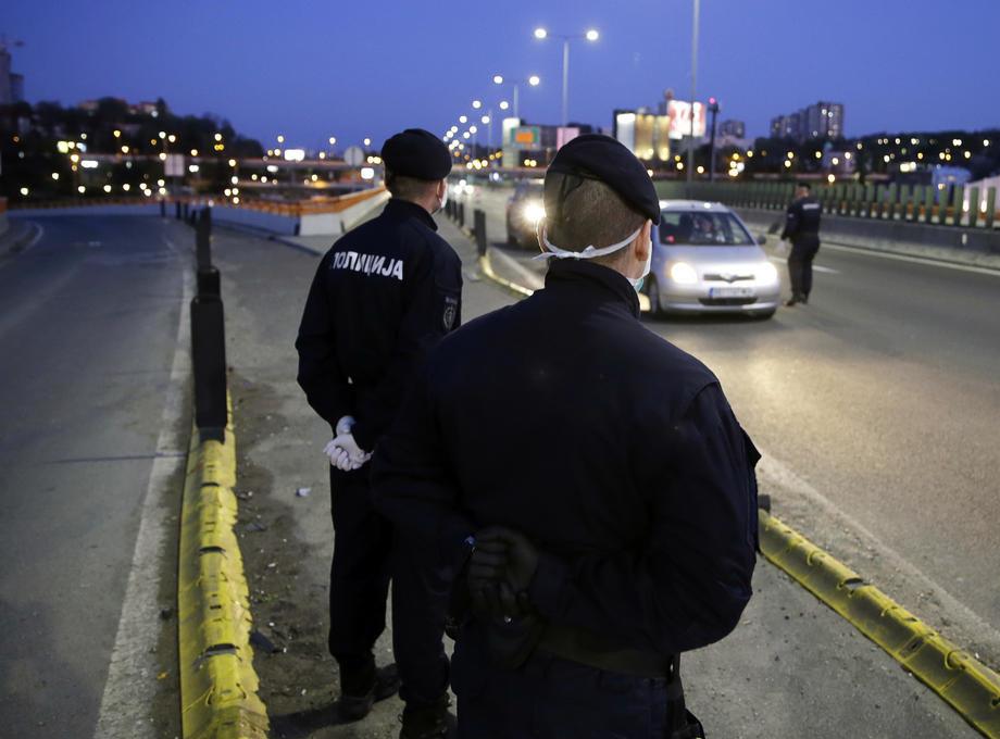 U Srbiji kršenje epidemioloških mjera rješava policija