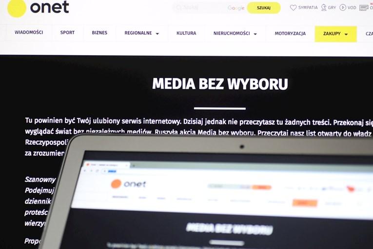Poljski mediji cijeli dan prikazuju istu poruku u znak prosvjeda