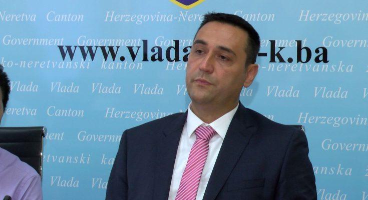 Skandalozna objava i stav Hadžovića, dao potporu osuđenom ratnom zločincu