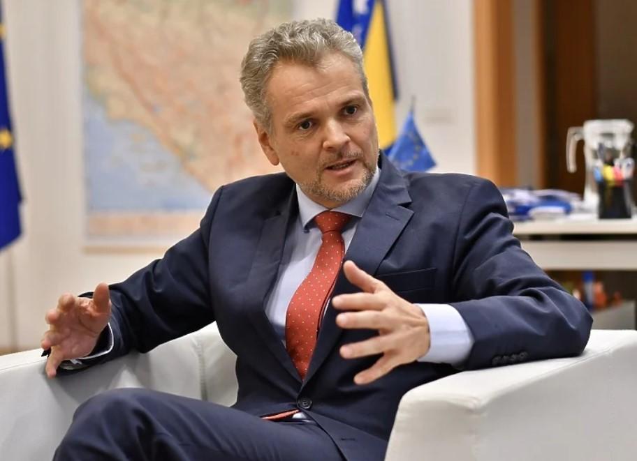 Sattler: Raspad BiH i prekrajanje granica su skretanje pozornosti s reformi