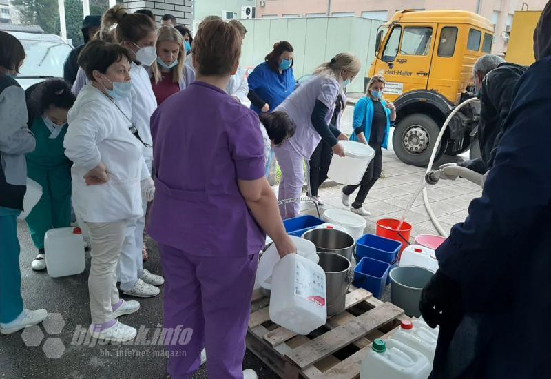 Ajme majko, ovo je prestrašno! SKB Mostar nema vode: 'Odgađaju se operacije…'