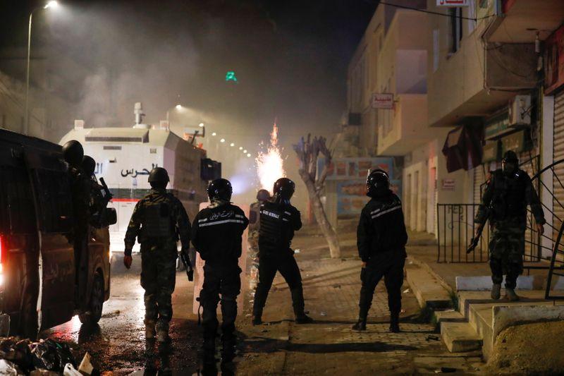 Masovni prosvjedi u Tunisu