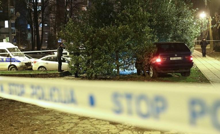 Bježao policiji u Zagrebu pa se zabio u stablo, djeca bježala pred jurećim autom