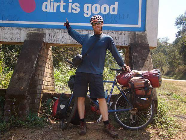Strava: Biciklom prošao cijeli svijet, autobus ga pregazio pred kućom
