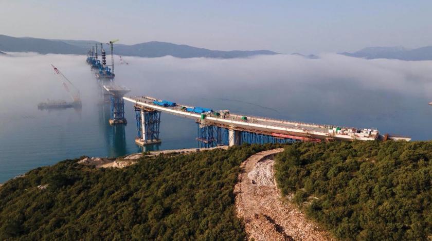 Čista fantazija: Do listopada će biti ugrađeni svi segmenti Pelješkog mosta