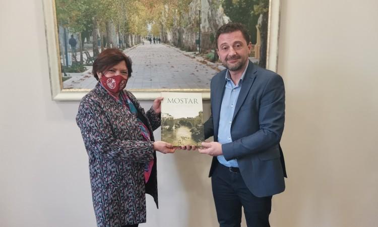 Francuska veleposlanica posjetila Mostar, Kordić joj iznio zanimljiv prijedlog