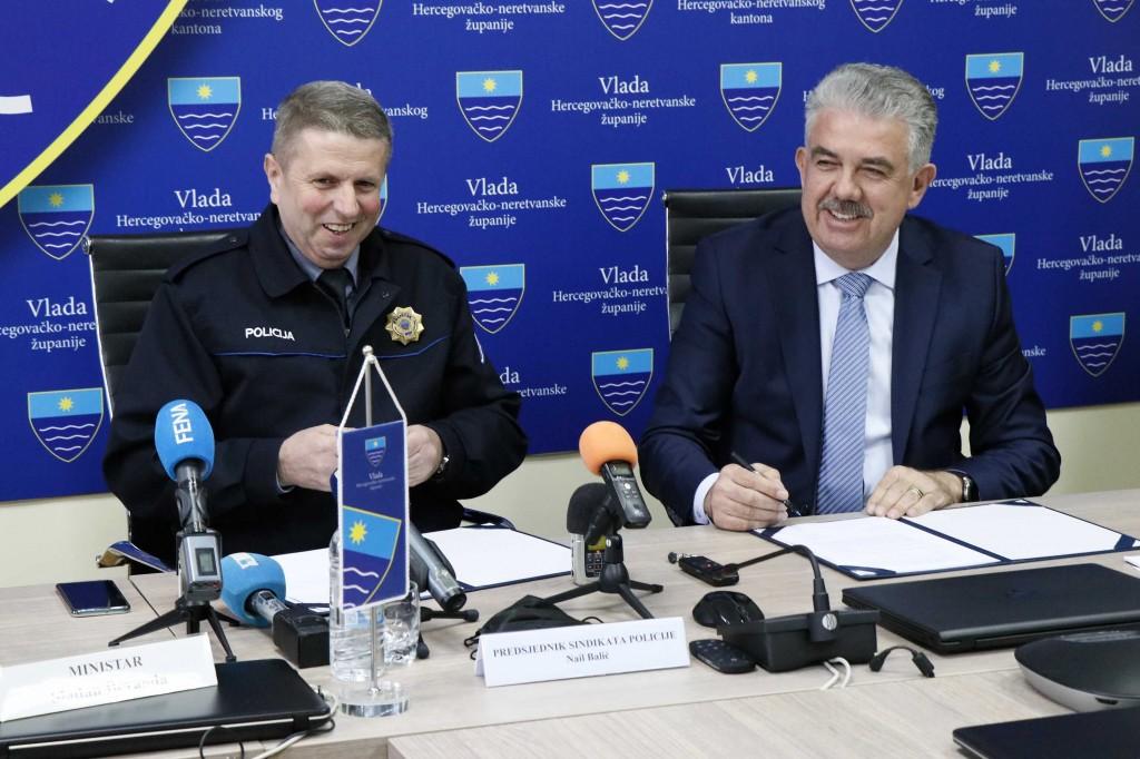 Vlada HNŽ-a i Sindikat policije u HNŽ-u potpisali kolektivni ugovor