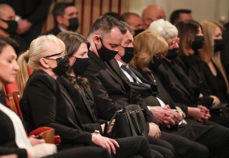 Emotivna atmosfera na komemoraciji Bandiću, supruga Vesna i kćer Ana-Marija baš tužne