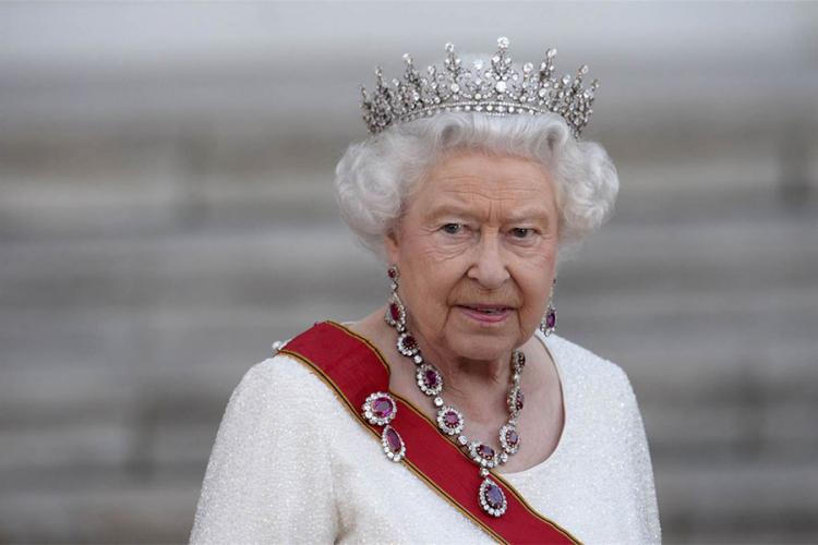 Kraljica Elizabeta se oglasila službenim priopćenjem nakon intervjua Meghan i Harryja