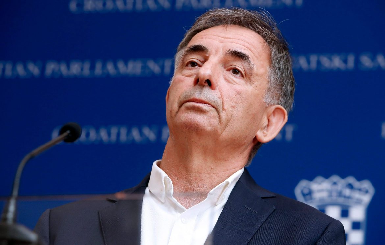 Oho, Pupovac ne može ostati ravnodušan na Milanovićevu kritiku