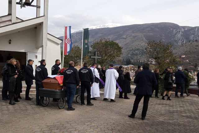 Mostar: Pokopan branitelj HVO-a Zoran Galić, jedan od četvorice pronađenih likvidiranih Hrvata u Bugojnu