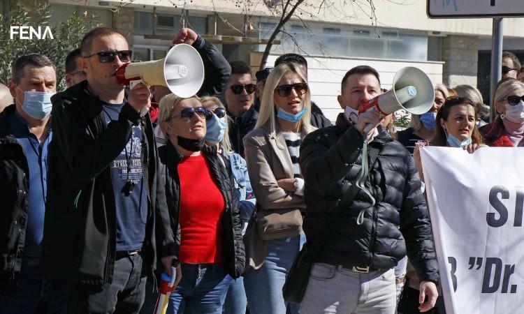 Zdravstveni radnici u HNŽ-u ponovno prosvjeduju: Porazno je što se sastanak s financijerima organizira tek sada