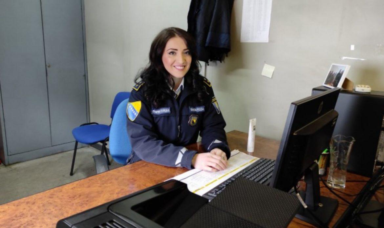 U BiH ima oko 16 i pol tisuća policijskih službenika, evo koliko je žena među njima
