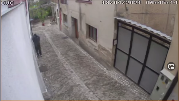 Sigurnosne kamere ponovno zabilježile pokušaj provale migranta u Mostaru