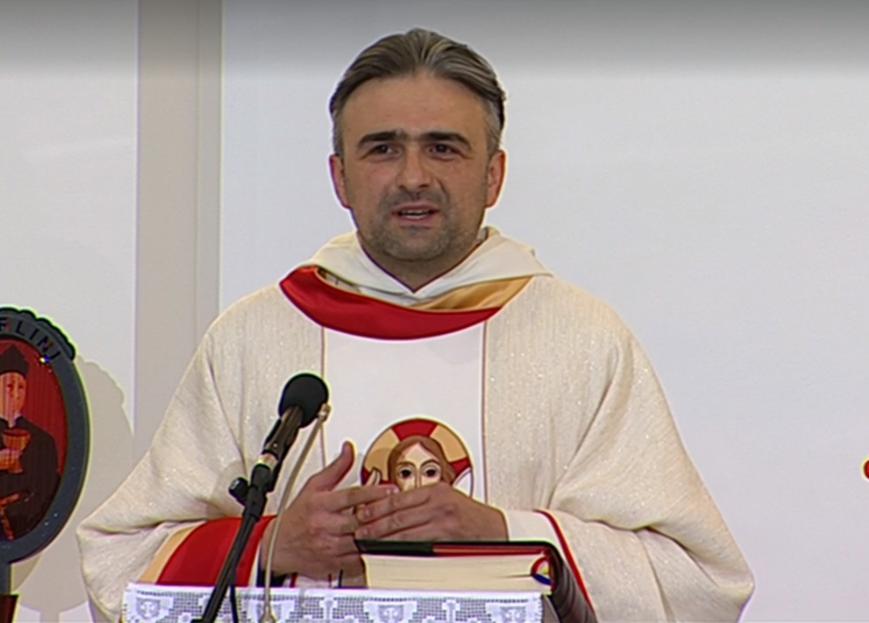 Svećenik na misi koju je prenosio HRT iznio vlastite političke stavove