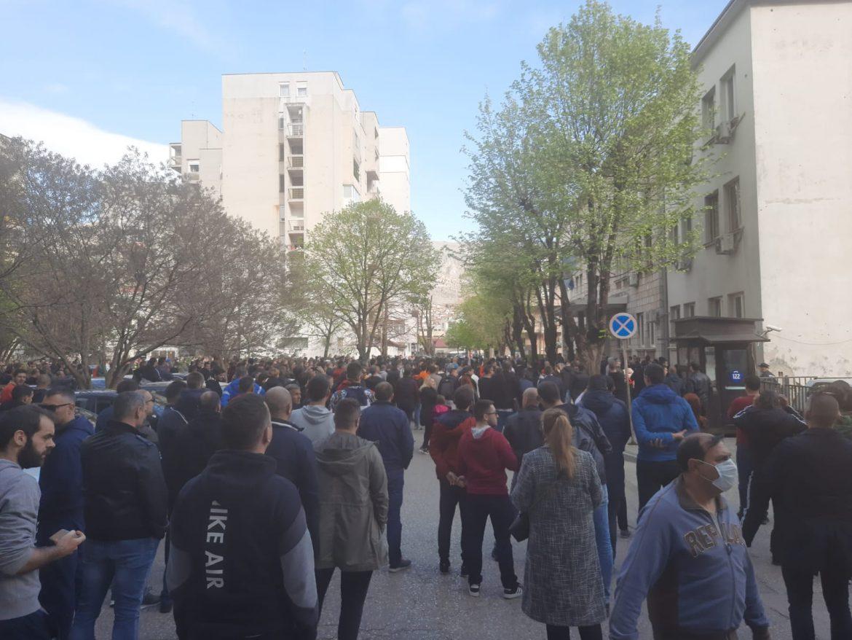 Građani na prosvjedu ujedinjeno: Mito i korupcija, mostarska policija
