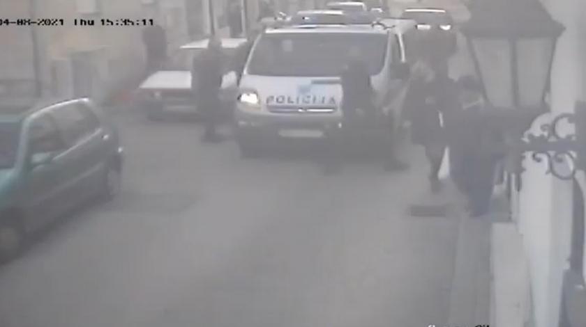 VIDEO Građani šalju nove snimke: Policajci su pretukli i moje dijete