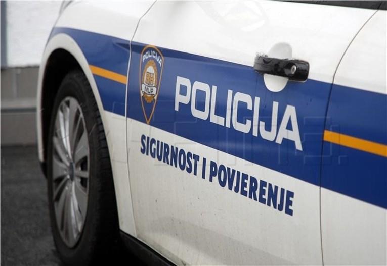 Kod Knina poginula dvojica vozača, putnik zadobio ozljede opasne za život