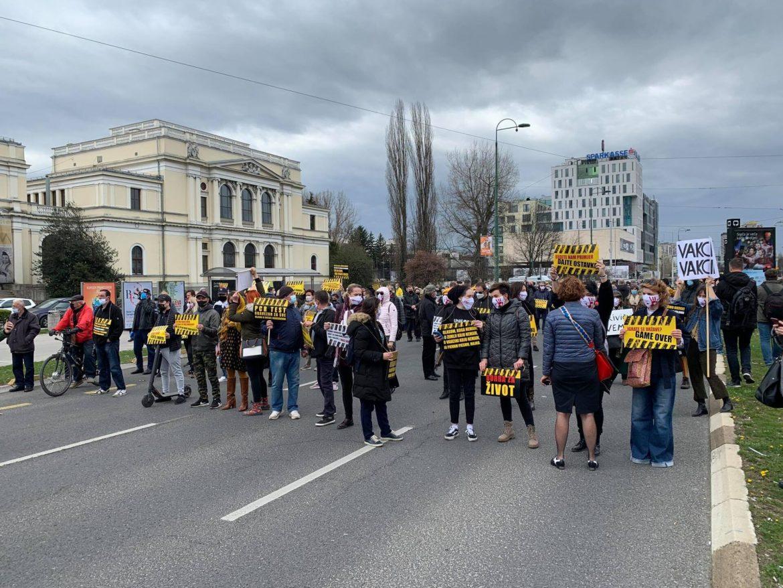Masovni prosvjed u Sarajevu: Traže smjenu Vijeća ministara i Vlade FBiH
