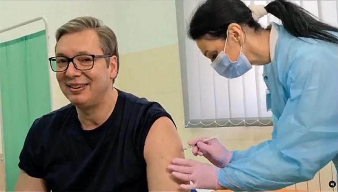 Vučić se cijepio kineskim cjepivom