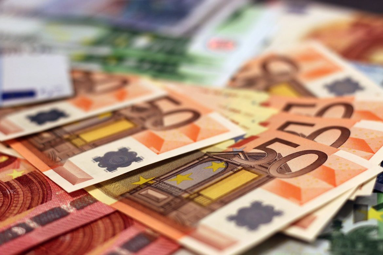 Ako u EU unosite ili iznosite iznos veći od 10 tisuća eura morate ga prijaviti
