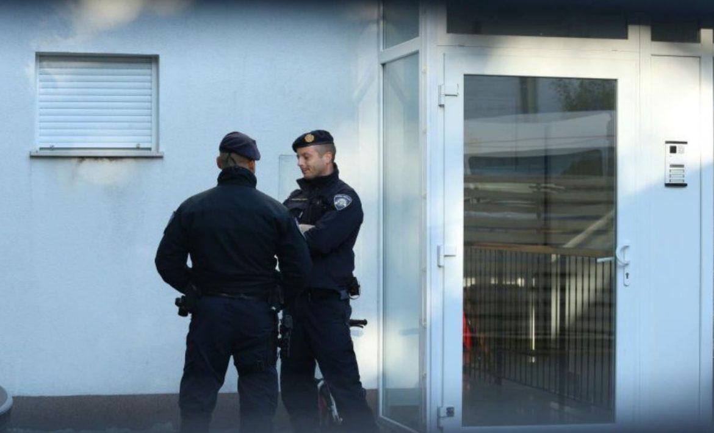 Mamurluk na hrvatski način: U tri ujutro pijane gađale policijsku postaju. Uhićene su.