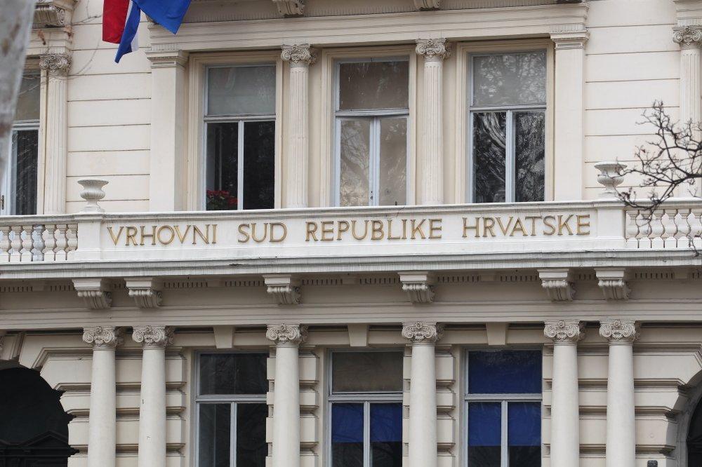 Vrhovni sud RH potvrdio kaznu zatvora muškarcu s Paga koji je djecu bacio s balkona