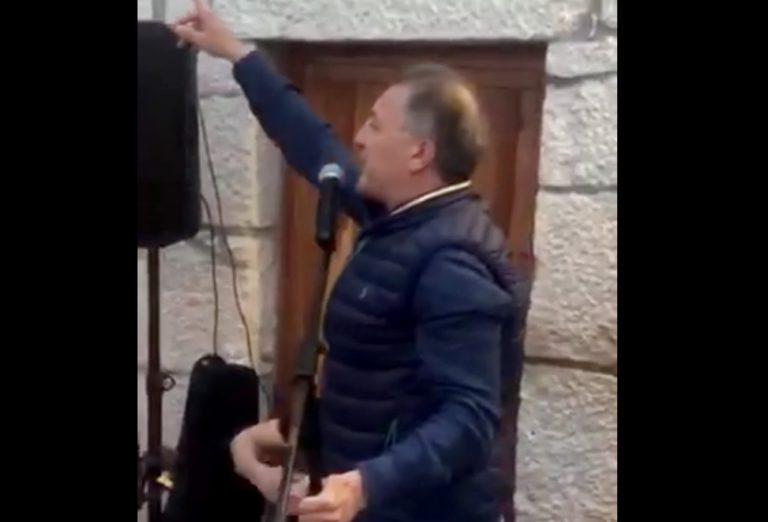 Braća Mamić u Hercegovini pjevaju pjesme posvećene Hajduku