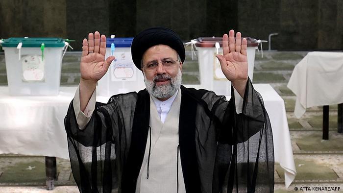 Ultrakonzervativac Ebrahim Raisi vodi na predsjedničkim izborima u Iranu