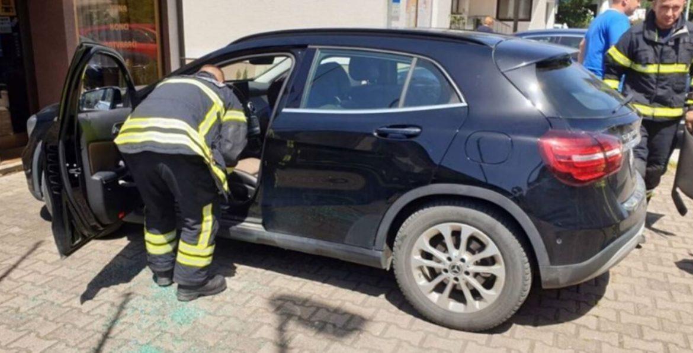 U Koprivnici beba zaključana u autu, spasili je vatrogasci