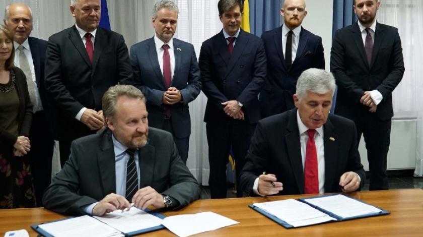 Koliko vrijedi potpis i riječ Bakira Izetbegovića?
