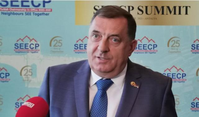 Dodik: BiH ne funkcionira, moramo napraviti tri države