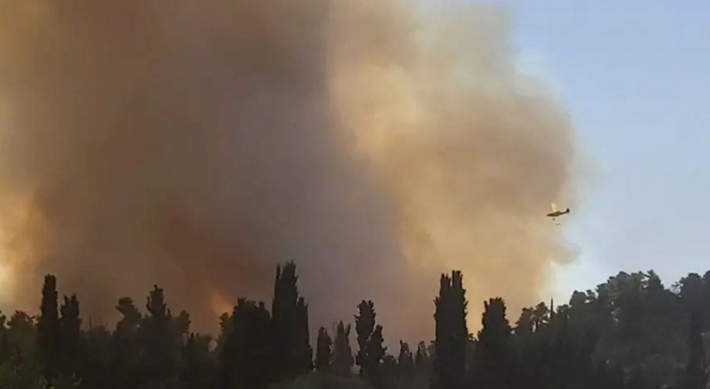 Požar bjesni u blizini Jeruzalema, evakuirana sela