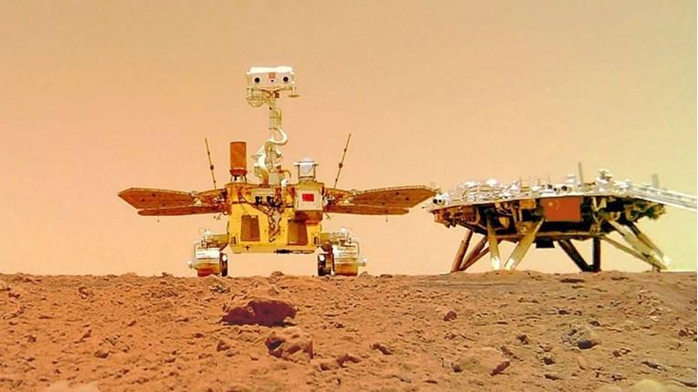 Kineski rover slikao zanimljiv selfie na Marsu