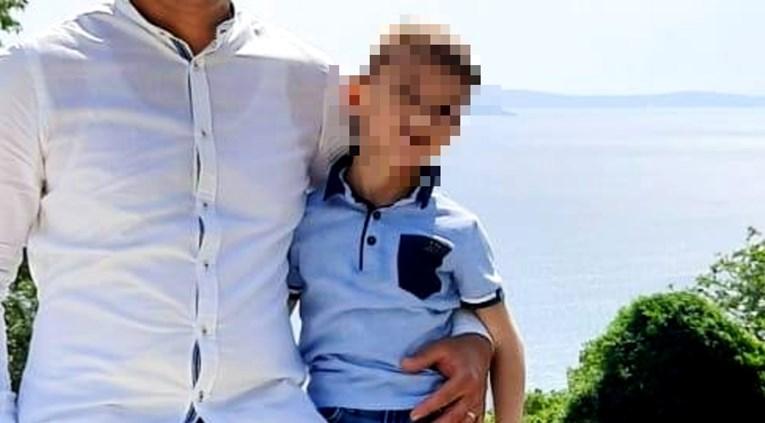 Tragedija u Hrvatskoj: Dječak umro u autu, tata ga zaboravio ostaviti u vrtiću